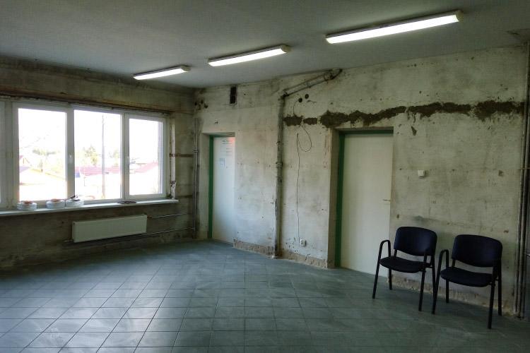 Remont budynku w Zręcinie