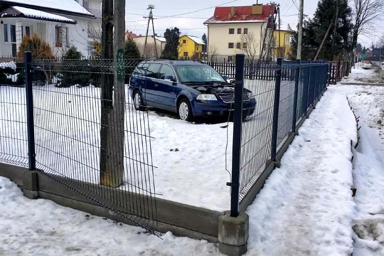 kradzież maski samochodu